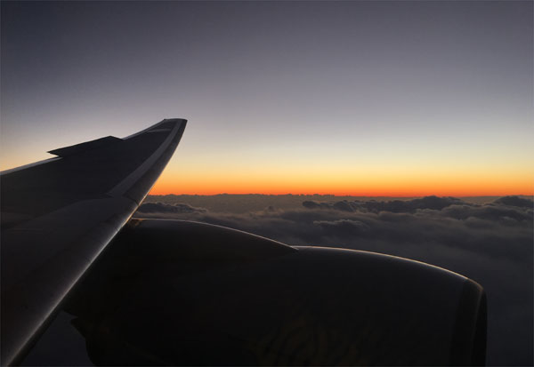 沖縄からの帰路で見えた夕焼け