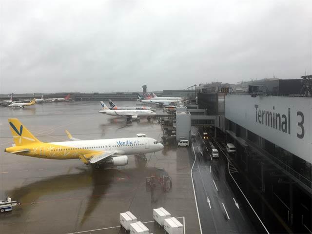 成田空港第3ターミナルブリッジからの景色