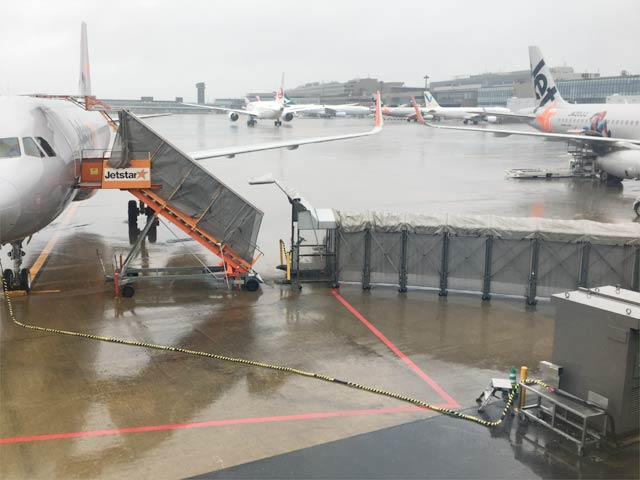 成田空港第3ターミナルにボーディングブリッジは無し