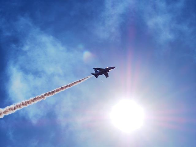 入間基地航空祭2017 太陽とブルーインパルス