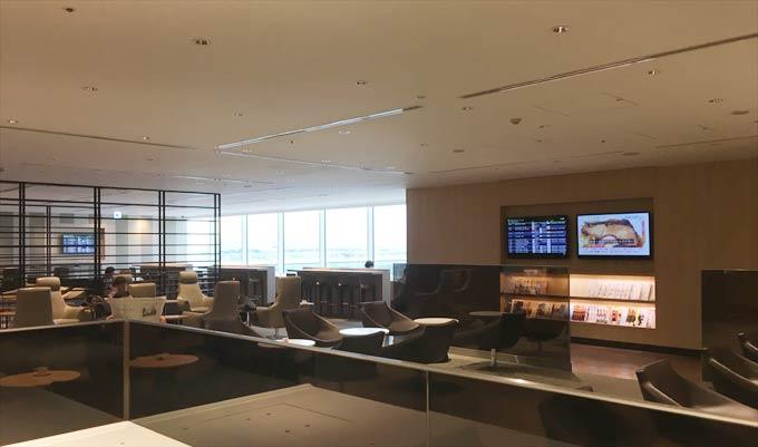 羽田空港 国際線 JALサクララウンジ 5階