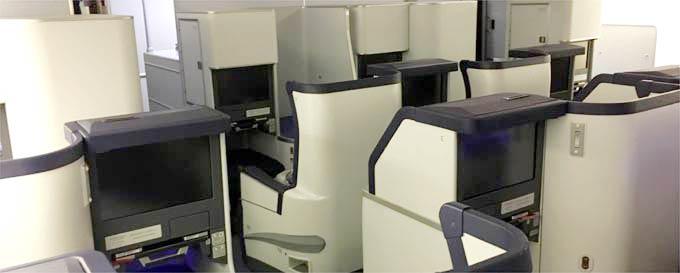 羽田発→フランフルト着 ANA NH203便。ビジネスクラス搭乗記。スタッガード配列のフルフラットシート