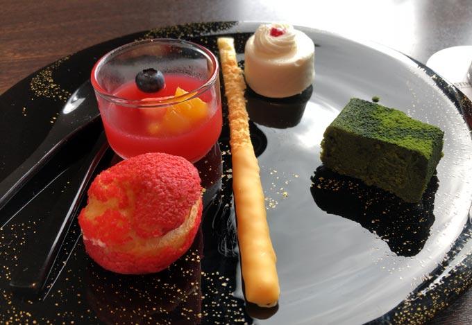 ウェスティンホテル大阪、エグゼクティブラウンジ、Afternoon Tea Timeの時のスイーツ