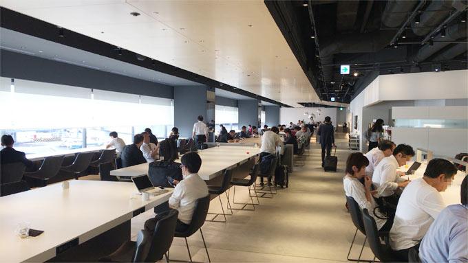 羽田空港第1ターミナル POWER LOUNGE NORTHの中の様子