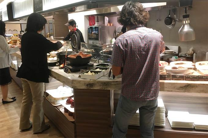 軽井沢マリオットホテルの朝食 ご飯やハムなど