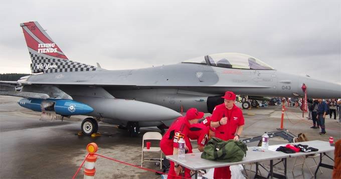 F-16記念塗装