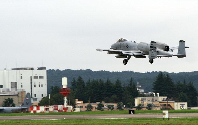 日米友好祭2019における、A-10の展示飛行