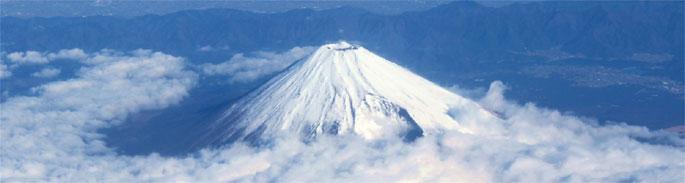 飛行機から富士山は、右側・左側どちらの座席で見れるか