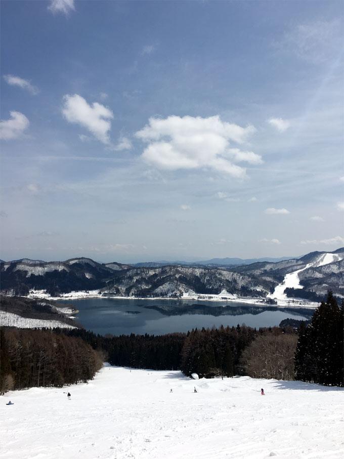 白馬さのさかから見える青木湖