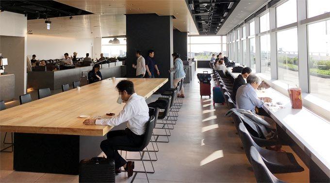 羽田空港 第2ターミナル POWER LOUNGE NORTHの室内の様子