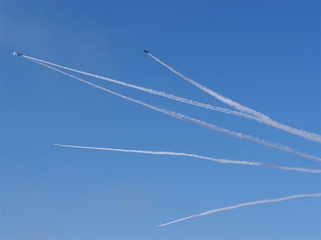 入間航空祭 ブルーインパルス 展示飛行 変形中