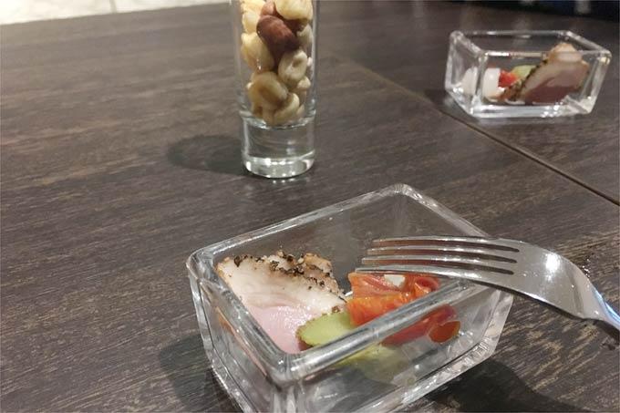 軽井沢マリオットホテルでのゴールド会員特典 カクテルタイムの軽食