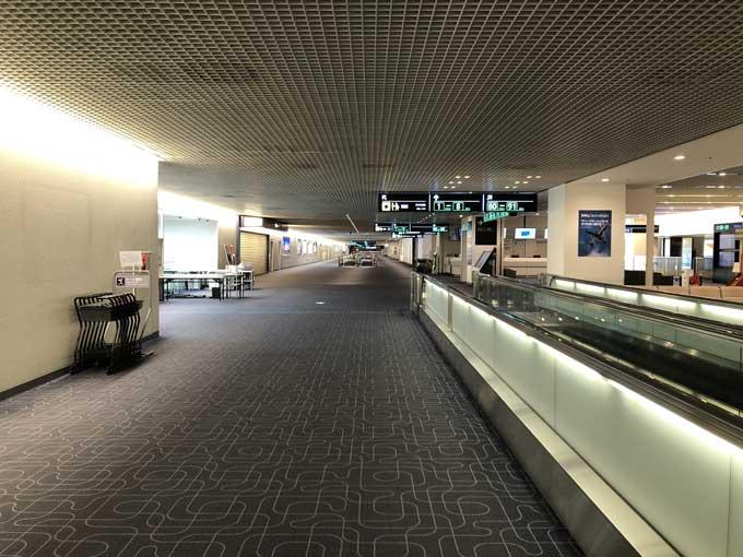 朝5時頃の羽田空港内の様子1
