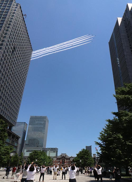 2020年5月29日ブルーインパルス飛行、東京駅周辺