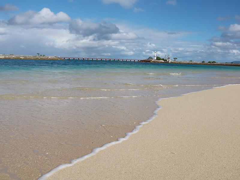 シェラトン沖縄 サンマリーナリゾートの目の前は、綺麗な白浜のビーチ